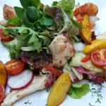Salat mit Garnelen und Oktopus
