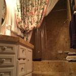 Gothic Suite Bathroom