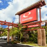 Photo of Econo Lodge Inn & Suites Near Legoland