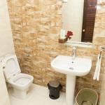 Washbasin & Toilet