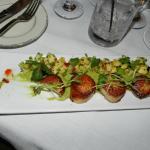Pétoncles et salsa tropicale