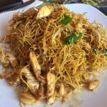Crispy chicken pad Thai