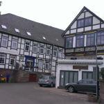 Hotel Goldener Anker/Hintereingang mit Gästehaus zum Fährhaus, Juni 2015