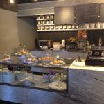 Cafe latte, capuccino, apricot scone, lemonade, ham & cheese sandwich