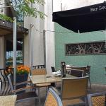 Bar Louie patio