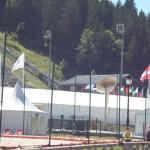 flamme Olympique des JO 1992 en bas des 2 tremplins de sauts à skis