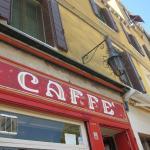 """Türschild des """"Il Caffè"""""""