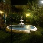 patio interno de noche
