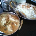 Kycklingkorma med ris på Agra indisk restaurang