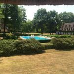 La piscine vue de la chambre 125