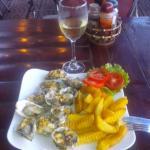 Устрицы гриль с белым вином