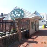 Caruso's Pizza & Pasta Italian Eatery resmi