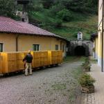 Entrata della miniera, e il trenino che porta all'interno