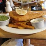 Crown Inn: fish and chips