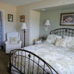 Trumpeter Inn-Chamomile Room