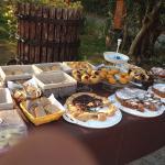 La colazione, con le torte di Lorena