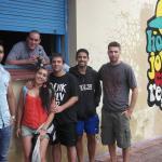 bar improvisado, en la calle mientras pintaban un mural los Alemanes