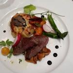 Contre filet de boeuf de kobe,gratin de dauphinois à là truffe d'eté,points de asperges vert.