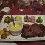 Steak with bearnaise sauce