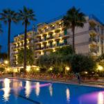 La splendida vista dell' Hotel Relax al calar della sera