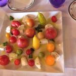 Caprese con pomodorini dell'orto