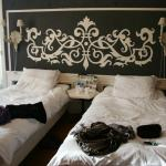 Les Jumeaux room bed - twin