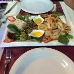 The best calamari and jumbo shrimp that I've ever eaten! Fish, service, presentation and foods w