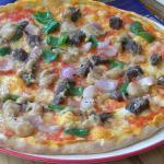 """Un clin d'oeil pour la fameuse """"masikita"""" : pizza garnie des ingredients de ces mini brochettes"""