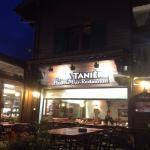 Intérieur de ce beau restaurant Savoyard, avec accueil tres chaleureux, a recommander absolulent