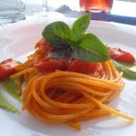 spaghetti fresh tomat