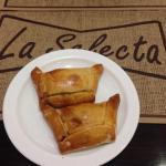 Panadería La Selecta, Piazza dé Samborondon. Deliciosas empanadas chilenas y muy buena mil hoja.