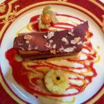 Barre chocolat Kalingo, ananas, banane, sablé au poivre de Sichuan.