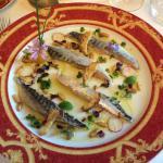 Filet de maquereau en escabèche, citron vert et huile  d'olive truffée.