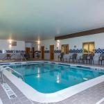 Indoor Pool w/ whirlpool