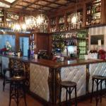 Photo de Que Thomas Gins & Cocktails