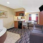 One Queen Bed Hot Tub Suite