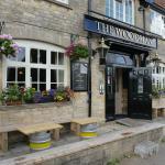 Foto van The Woodman Inn