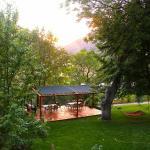 Mackay Bar Ranch - Patio/Pavilion overlooks Salmon River