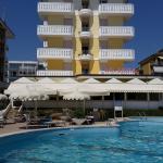 hotel +piscina