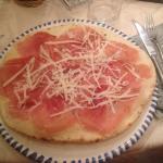 Pizza fornarina e una vergine