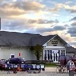 Depot inn & Suites Driveway Entrance