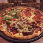 Pizza Marguerita, Parma, Jabá... Melhor foi a Marguerita. Lugar aconchegante, atendimento bom e