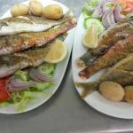 Nuestro  pescado  fresco  del día  como  le guste  frito  o a la  plancha