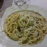 Spaghetti con lardo e formaggio di fossa