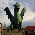 Un dragon... sur un pont !