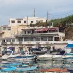 Restaurant vu à partir du port