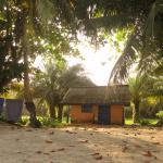 Photo de Ezile Bay Village