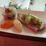 Pavé de thon vinaigrette de légumes