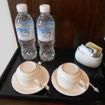 มีน้ำให้ 2 ขวด ชา/กาแฟ มีตู้เย็น
