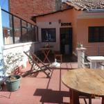 La terrasse avec la cuisine commune